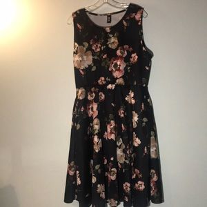 Sleeveless Floral Dress With Pockets